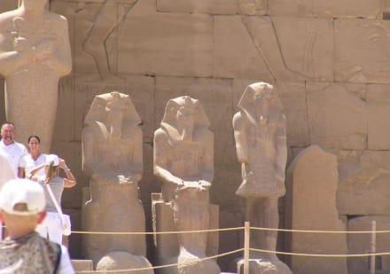 Statuen - Amonstempel Karnak