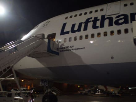Jumbo Jet nach Frankfurt - Flughafen Dubai (DXB)