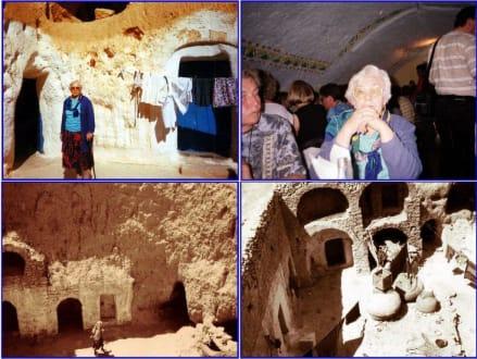 Matmata; Höhlenwohnungen und Ghorfas - Höhlenwohnungen