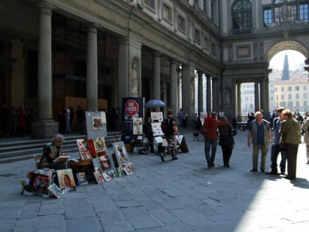 Historic sites (castle, palace, ruins, etc.) - Uffizi Gallery and art museum