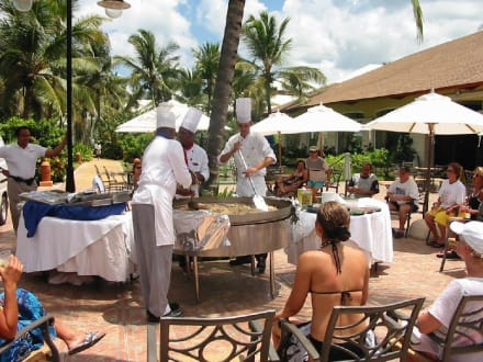 Showcooking-excellente Paella - Hotel Secrets Excellence Punta Cana