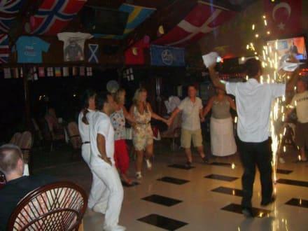 Türkischer Tanz - Captain Jack Restaurant Bar