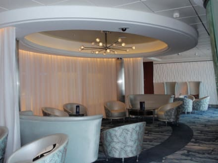 Martini Eisbar Lounge - Celebrity Equinox