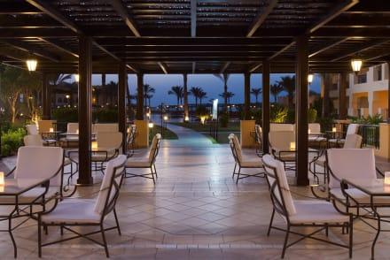 Lobby Terrace -