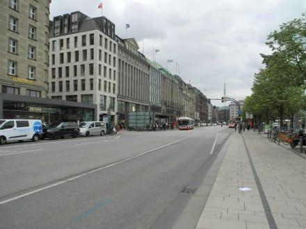 Straße am Jungfernstieg - Jungfernstieg