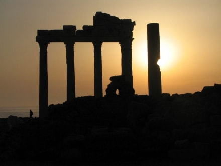 Apollo Tempel Side - Apollon Tempel