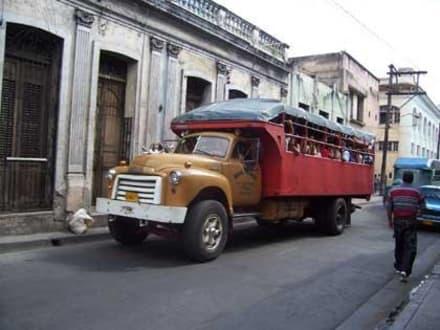 Personentransport per LKW - Altstadt Santiago de Cuba