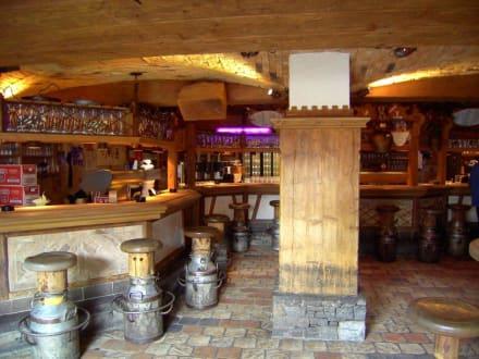 Mittags im Kuhstall - Kuhstall