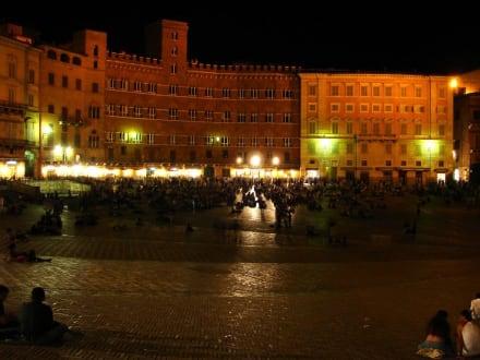 Gute Stimmung - Piazza del Campo