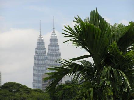 Twin Towers - Petronas Twin Towers