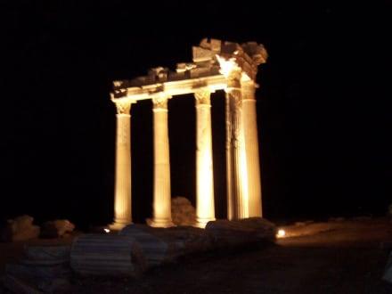 Der schöne Apollo Tempel in Side in der Nacht - Apollon Tempel