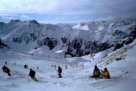 Eine rote von Samaun nach Ischgl - Skigebiet Ischgl