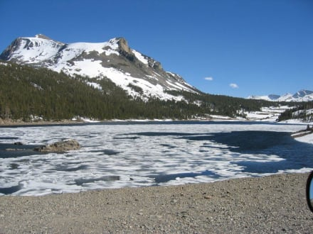 Lake Tioga - Tioga Pass