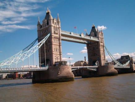 The Tower Bridge (London über die Themse) - Tower Bridge