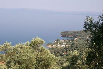 Blick auf den Ort Kalamos - Kalamos