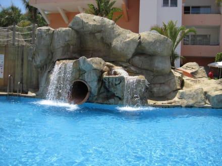 Pool mit rutsche bild playabella spa gran hotel in - Pool rutsche ...