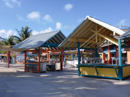 Building (other) - Coco Cay Beach