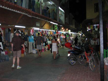 In den Strassen von Alanya - Haupt-Einkaufsstrasse
