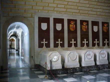 im Mausoleum von Escorial - Monasterio de San Lorenzo de El Escorial