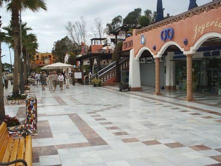 "Neues Einkaufszentrum ""Santiago"" - Centro Comercial Parque Santiago III"