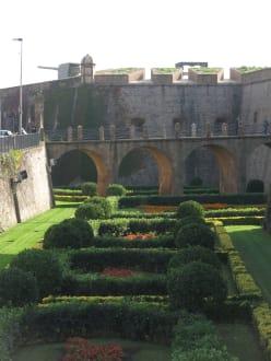Die weitläufige Gartenanlage - Castell de Montjuïc