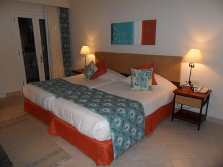 das bequemste bett der welt bild fanadir hotel el gouna in el gouna hurghada safaga gypten. Black Bedroom Furniture Sets. Home Design Ideas