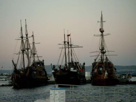 Yachthafen mit den Piratenschiffen - Yachthafen Hammamet Yasmine