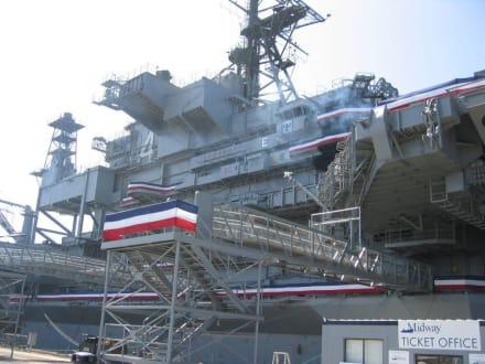 Flugzeugträger USS Midway - Flugzeugträger USS Midway