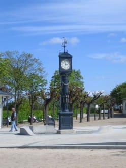 Historische Uhr von Ahlbeck. - Historische Uhr