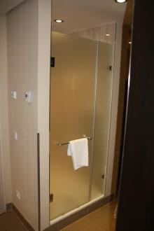 die dusche zu zweit duschen auch m glich bild lindner hotel am belvedere in wien wien. Black Bedroom Furniture Sets. Home Design Ideas