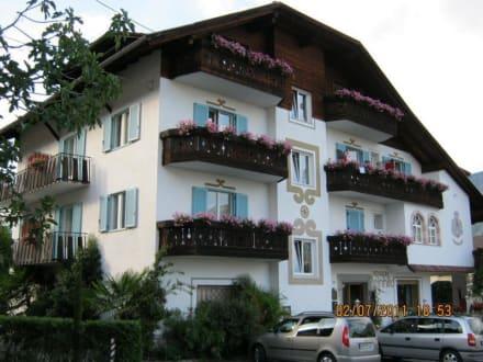 Front und Eingang - Hotel Reinhild