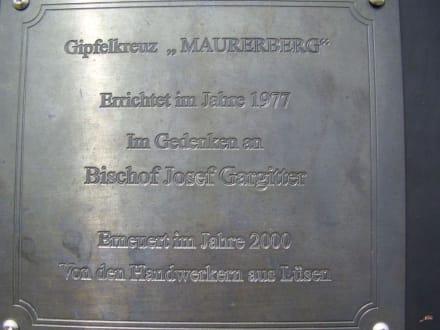 Tafel am Gipfelkreuz Maurerberg - Wandern St. Vigil in Enneberg