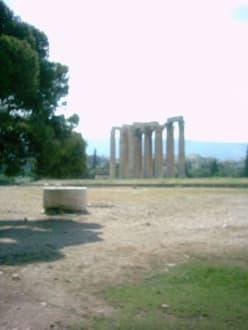 Tempel des olympischen Zeus - Olympieion / Tempel des Olympischen Zeus