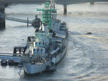 Schiff von Aussen - Kriegsschiff HMS Belfast