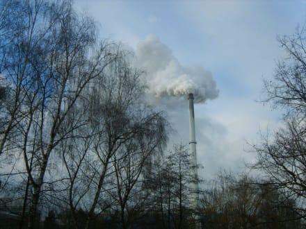 Der Schornstein zaubert Wolken - Plattling
