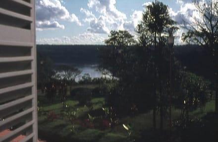 Blick auf den Rio Iguazu - Wasserfälle von Iguazu