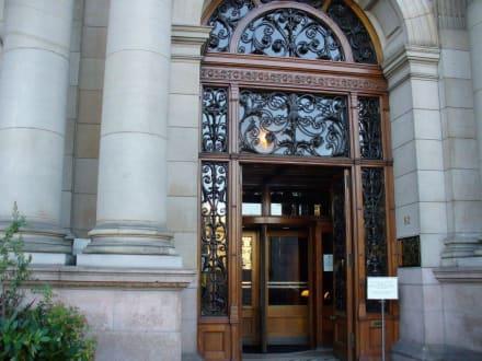 Eingang - George Square
