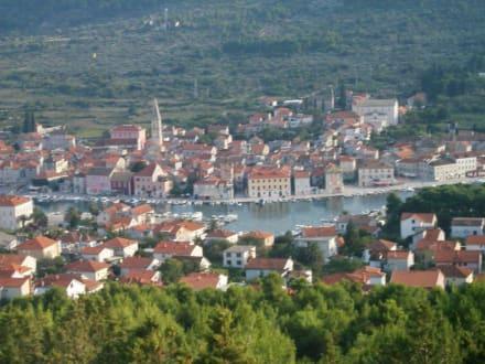 Aussicht auf Stari Grad - Hafen Stari Grad (Hvar)