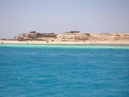 Blick vom Schnorchelboot auf die Giftun Insel - Giftun / Mahmya Inseln