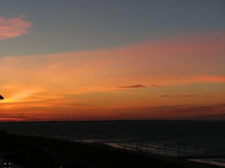 Sonnenuntergang im Winter Richtung Juist - Insel Norderney