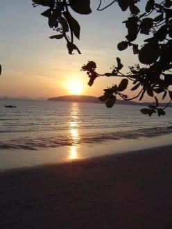 Sonnenuntergang in Krabi - Strand Ao Nang
