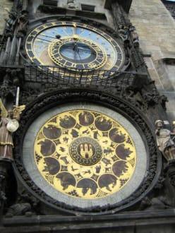 Uhr am Rathaus - Altstädter Rathaus