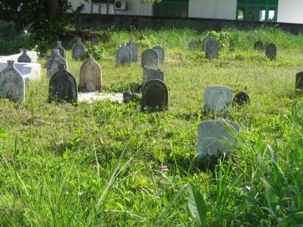 Friedhof - Radfahren Addu Atoll