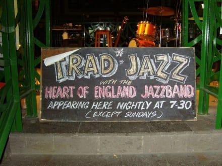 Ein Hinweisschild! - Jazz-Festival