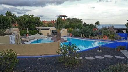 Pool / Piscina -