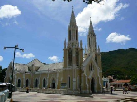 Kirche der Jungfrau Virgen del Valle - Ausflüge & Touren