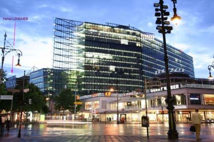 lindner by night bild lindner hotel am kudamm in berlin. Black Bedroom Furniture Sets. Home Design Ideas