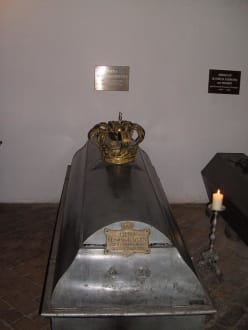 Religious sites (churches, temples, etc.) - Royal crypt of St. Michael