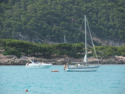 Boote in der Cala Agulla - Cala Agulla/ Cala Guya
