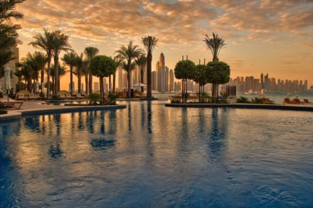 Pool Sunrise -
